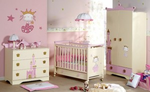 cuna-bebe-niña-rosa