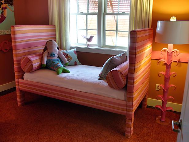 dormitorio de niña fucsia y naranja