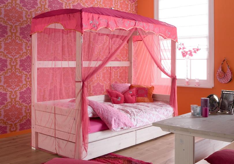 dormitorio rosa y naranja de niña