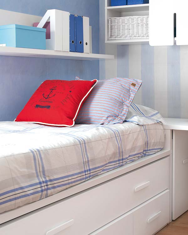 dormitorio infantil de niño color blanco y celeste